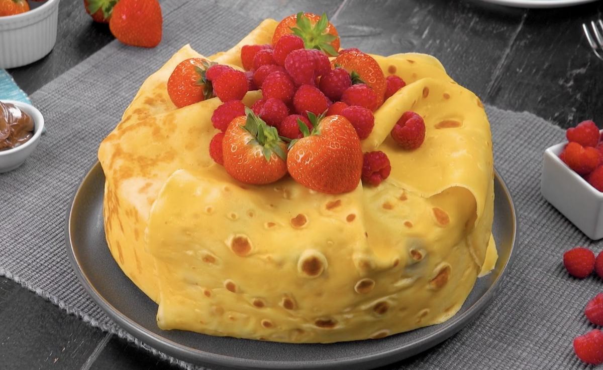 Crêpe Cake Stuffed With Fresh Fruit